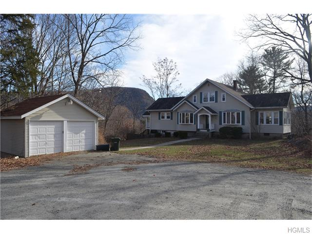 28 St Marks Place, Fort Montgomery, NY 10922