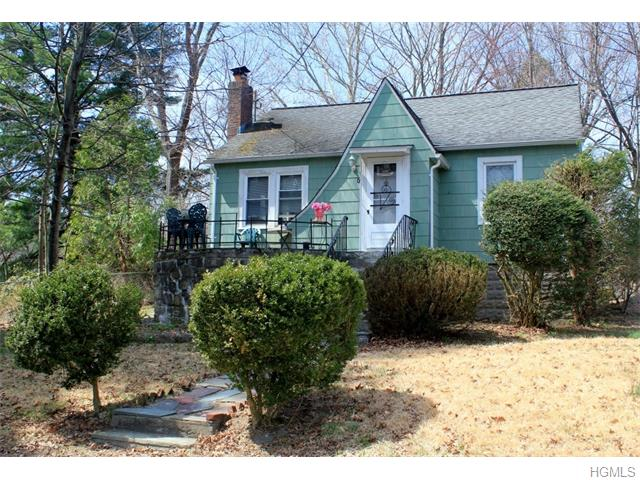 7 Agnes Place, Lake Peekskill, NY 10537