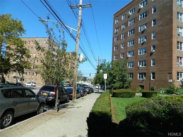 480 Riverdale Avenue, Unit #1T, Yonkers, NY 10705