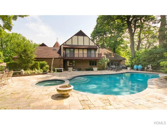 685 Esplanade, Pelham, New York 10803