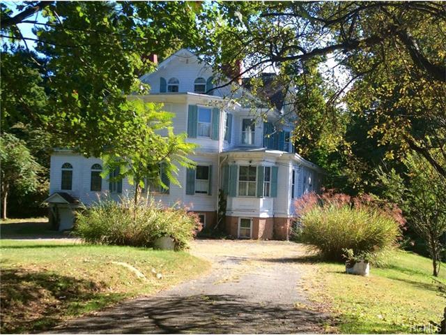20 Riverview Circle, Poughkeepsie, NY 12601