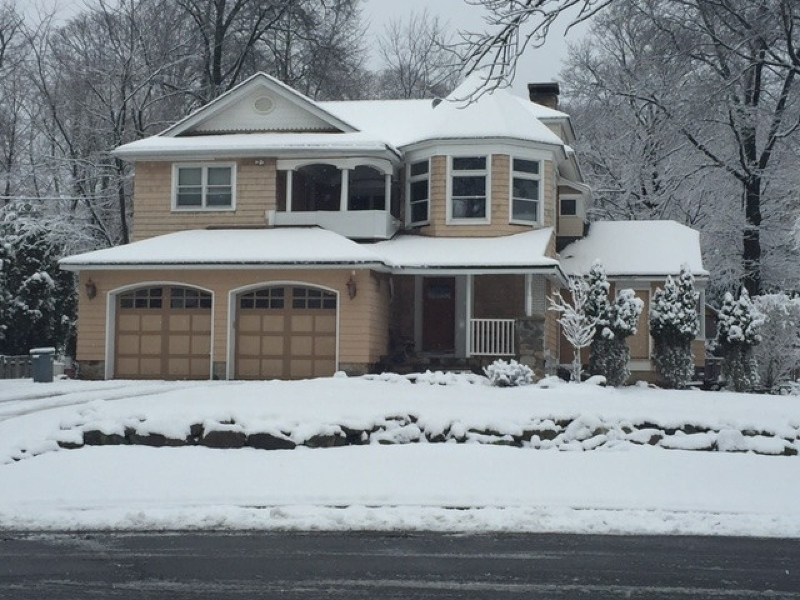 16 Weber Ct, North Haledon, NJ 07508