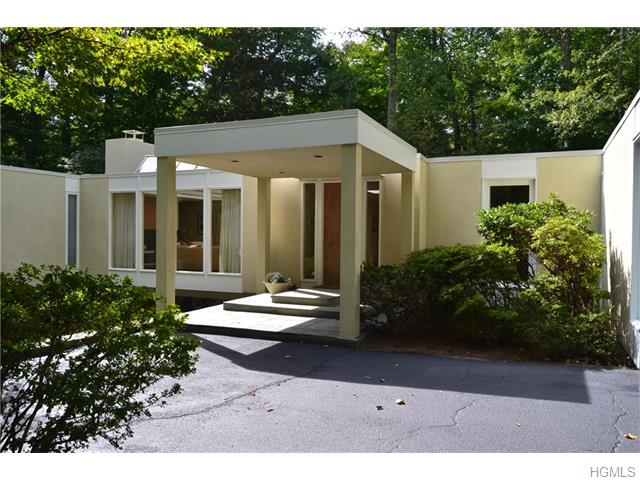 11 Sycamore Lane, White Plains, NY 10605