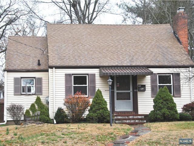 152 County Rd, Demarest, NJ 07627