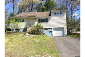 Home For Sale at 618 Wildwood Rd, Northvale NJ