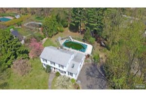 Home For Sale at 3 Pine Tree Rd, Ramsey NJ