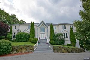 Home For Sale at 83 Chopin Dr, Wayne NJ