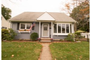 Home For Sale at 1302 Lincoln Ave, Pompton Lakes NJ