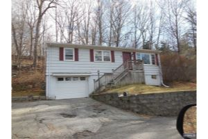 Home For Sale at 7 Underhill Ter, Ringwood NJ