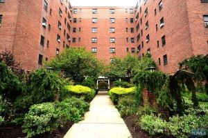 Home For Sale at 208 Anderson St, Unit #N3F, Hackensack NJ