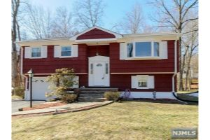 Home For Sale at 73 Darrow Dr, North Haledon NJ