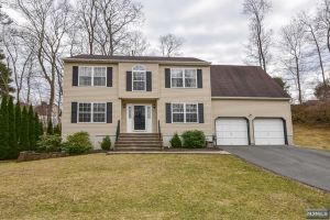 Home For Sale at 21 Jersey Pl, Newton NJ