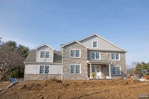 Home For Sale at 55 Camillo Dr, Wayne NJ
