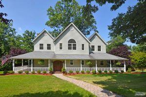 Home For Sale at 37 Smith Ln, Wayne NJ