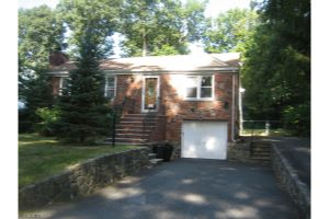 Home For Sale at 23 W Lakeview Trl, Jefferson NJ
