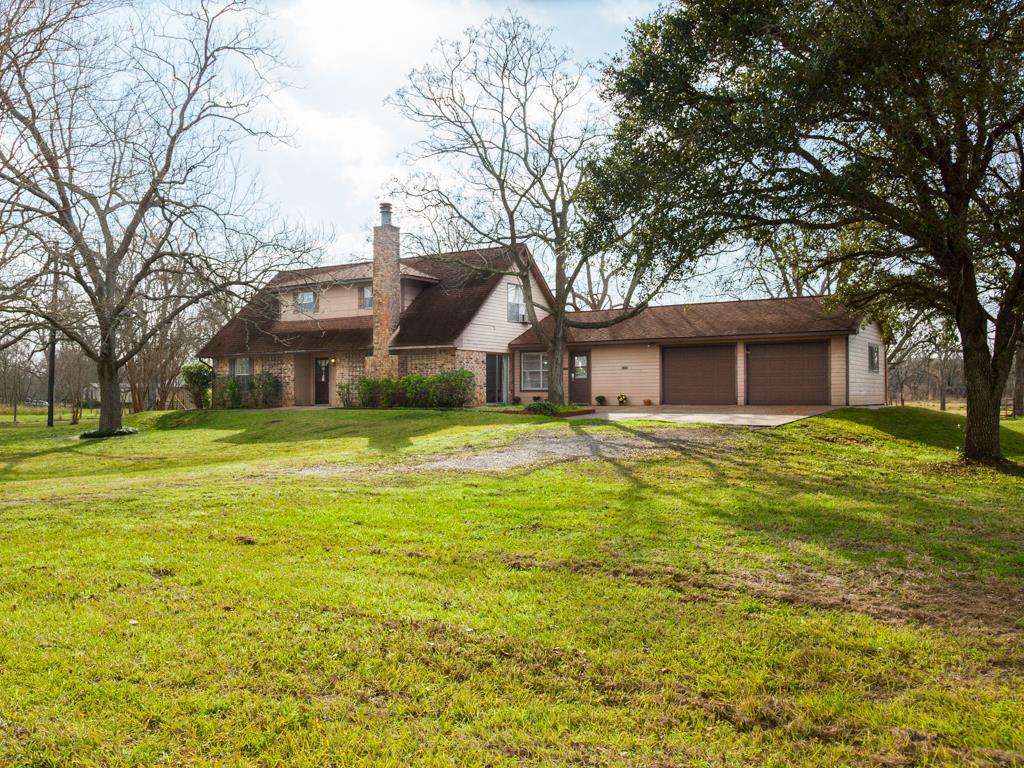 2103 Miller Rd, Rosharon, TX 77583