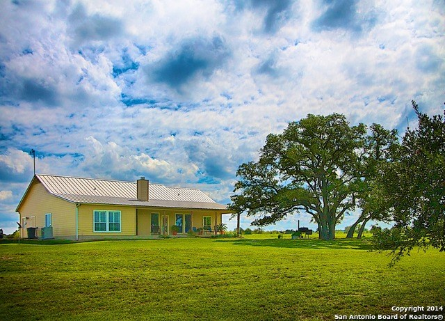 2125 Old Kelley Rd, Lockhart, TX 78644