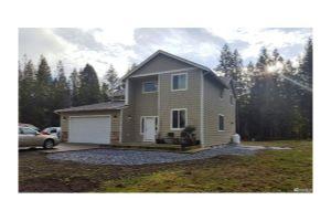Home For Sale at 2414 Kinsman Ct E, Roy WA