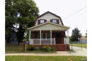 Home For Sale at 618  Garden Ave, Woodbridge NJ
