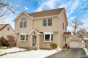 Home For Sale at 3  Pleasant View, Wallington NJ