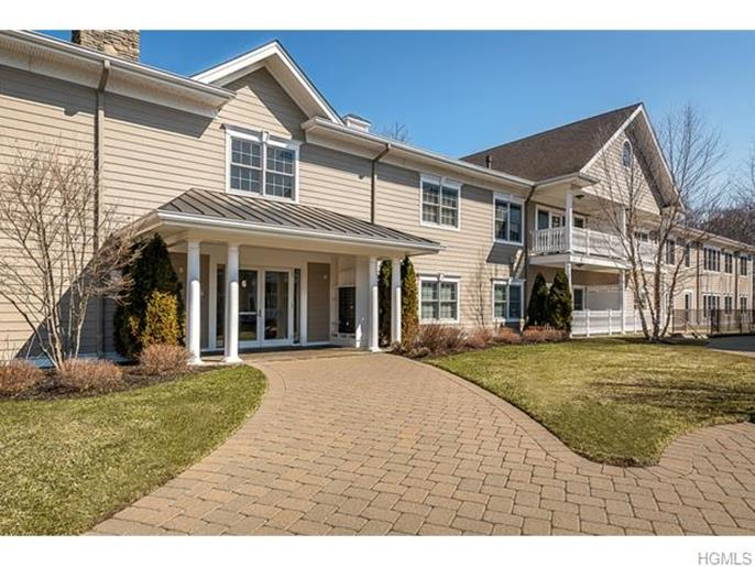 6207 Fred Ill Jr Court, Pearl River, NY 10965
