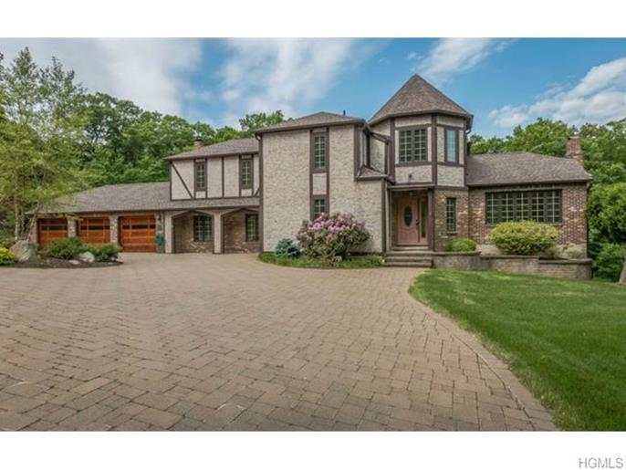 4 Mountain Crest Court, Cornwall On Hudson, NY 12520