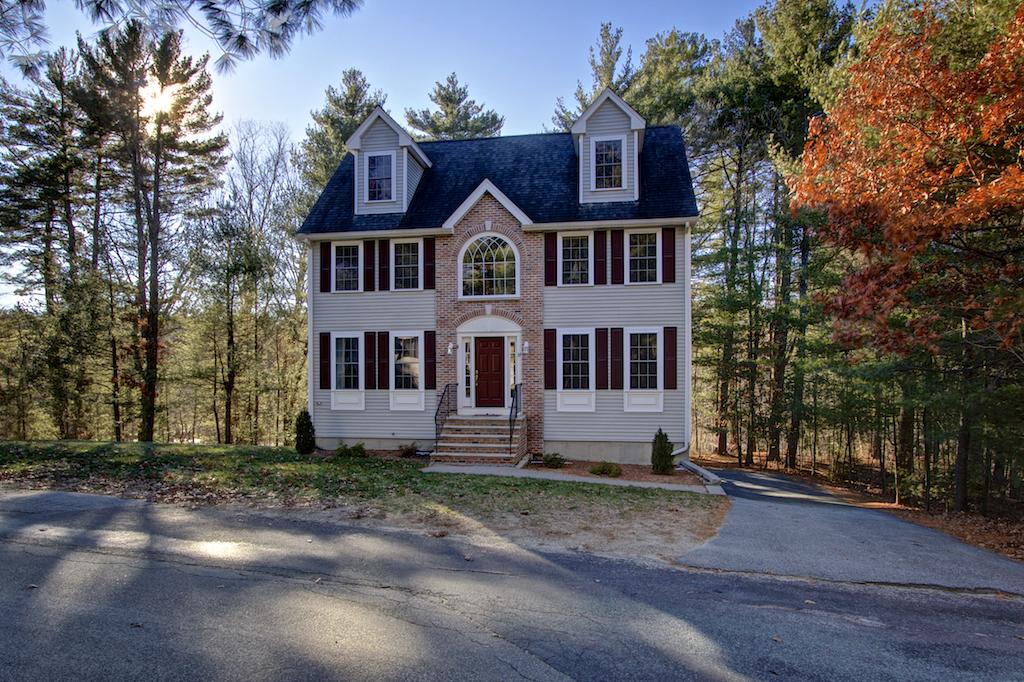 37 Riverside Drive, North Reading, Massachusetts 01864