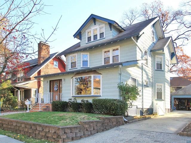 31  Myrtle St, Rutherford, NJ 07070