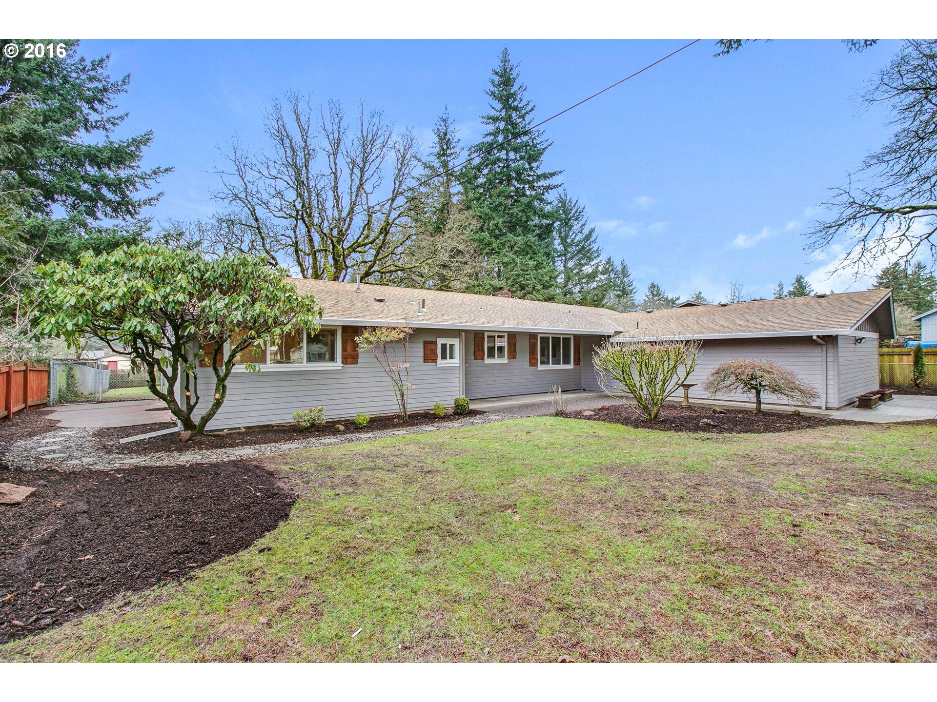 13898 SE Maple Ln, Portland, OR 97222