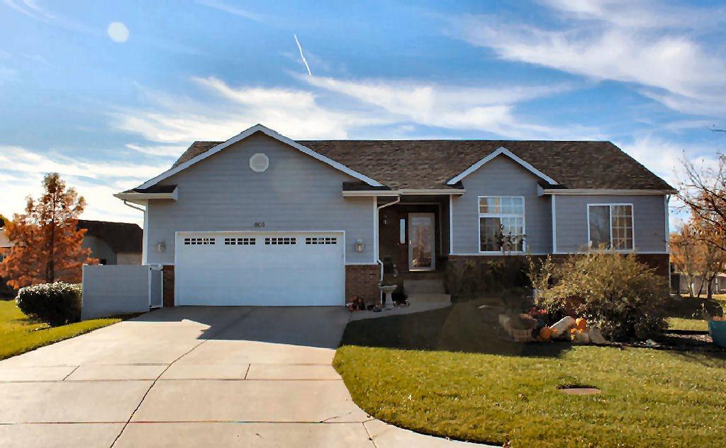 805 E Park Glen Ct, Clearwater, KS 67026