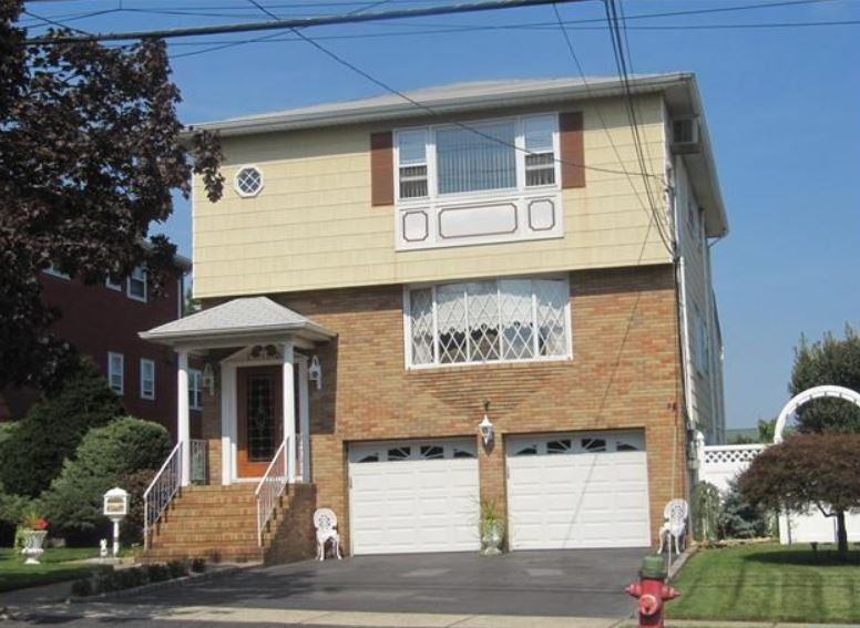713  Page Ave, Lyndhurst, NJ 07071