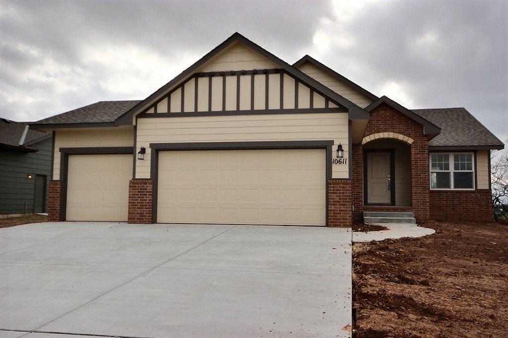 10611 W Greenfield Cir, Wichita, KS 67215