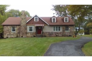 Home For Sale at 43  New St, Wayne Twp. NJ