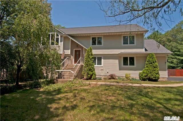 40 Old Northport Rd, Kings Park, NY 11754