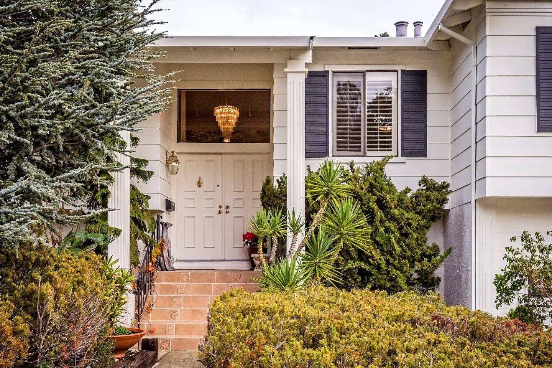 1335 Crestview DR, San Carlos, CA 94070